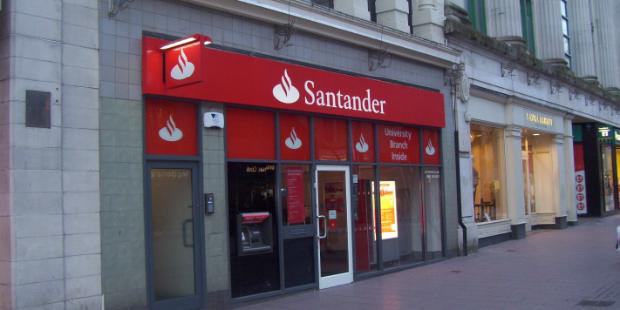 Santander passa activos imobiliários do Popular