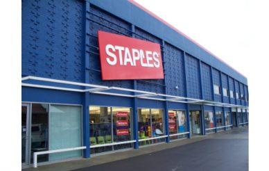 Sycamore negoceia compra da Staples