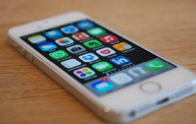 Portugueses estão a comprar mais telemóveis premium