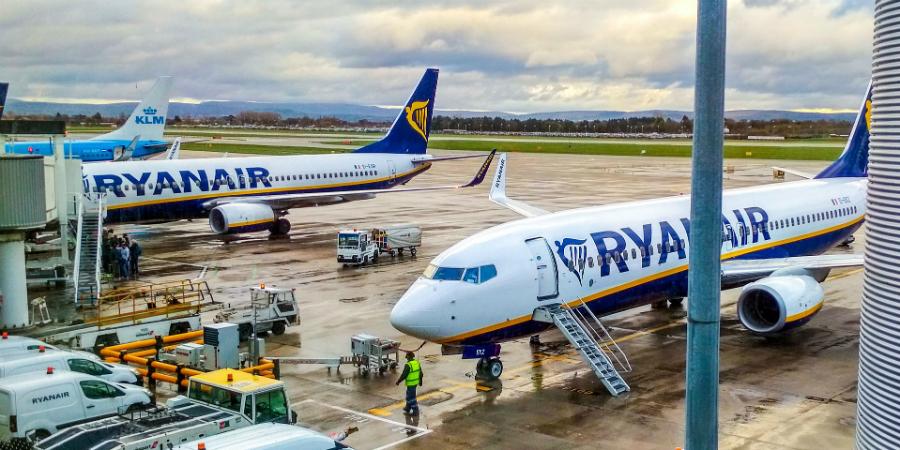 """Resultado de imagem para Ryanair deteta fissuras em três aviões Boeing 737 NG"""""""