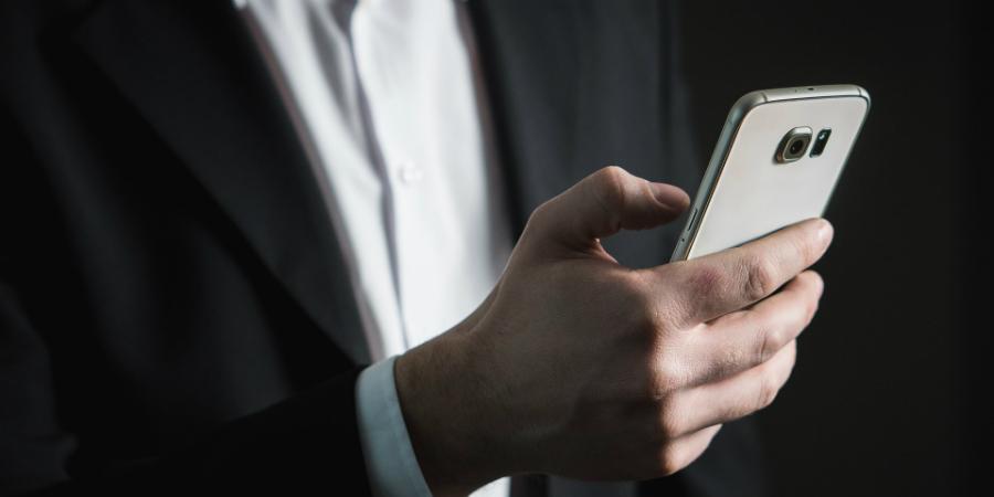 Se uma empresa ou um banco lhe pedir o número de telefone, não dê. Faça isto
