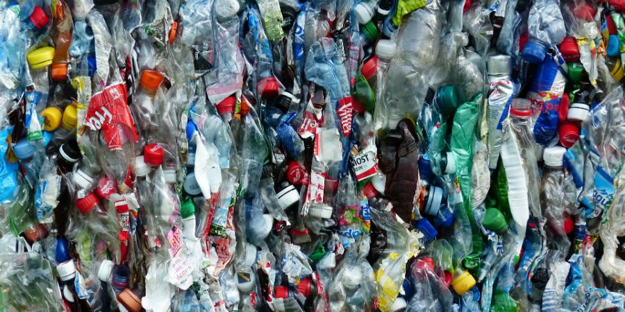 Guerra contra o plástico pode sofrer revés. Preço dos reciclados dispara (e muito)